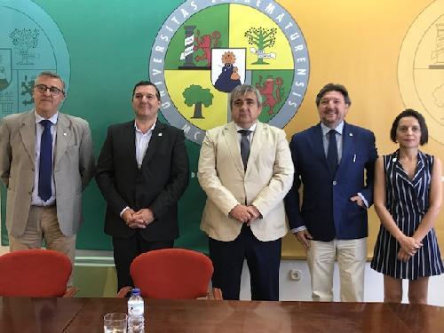 Firmado un acuerdo con los Círculos Empresariales de Cáceres y Plasencia para mejorar la empleabilidad de los alumnos