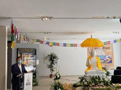Círculo Empresarial Cacereño está presente en la presentación de la talla del Buda en Cáceres.