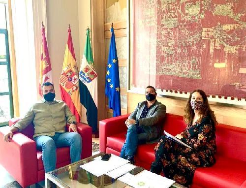 CEC Tiene su primera reunión trimestral con el alcalde de Cáceres